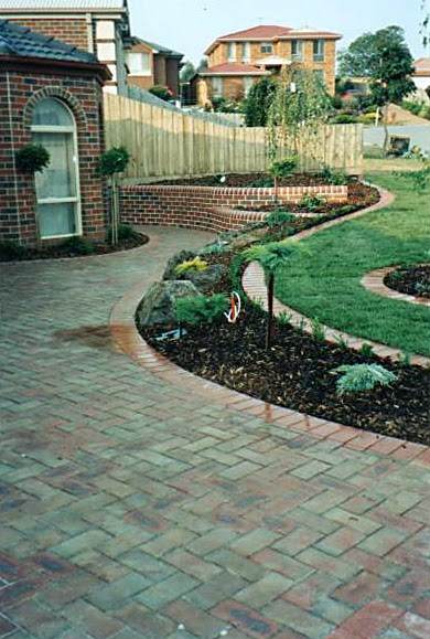 Retaining wall construction landscaping construction for Landscape contractors melbourne