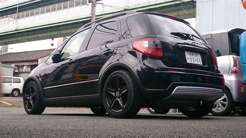 Suzuki SX4, tuning, pasja, zmodyfikowany, zdjęcia, galeria, japoński samochód, auto, czarny