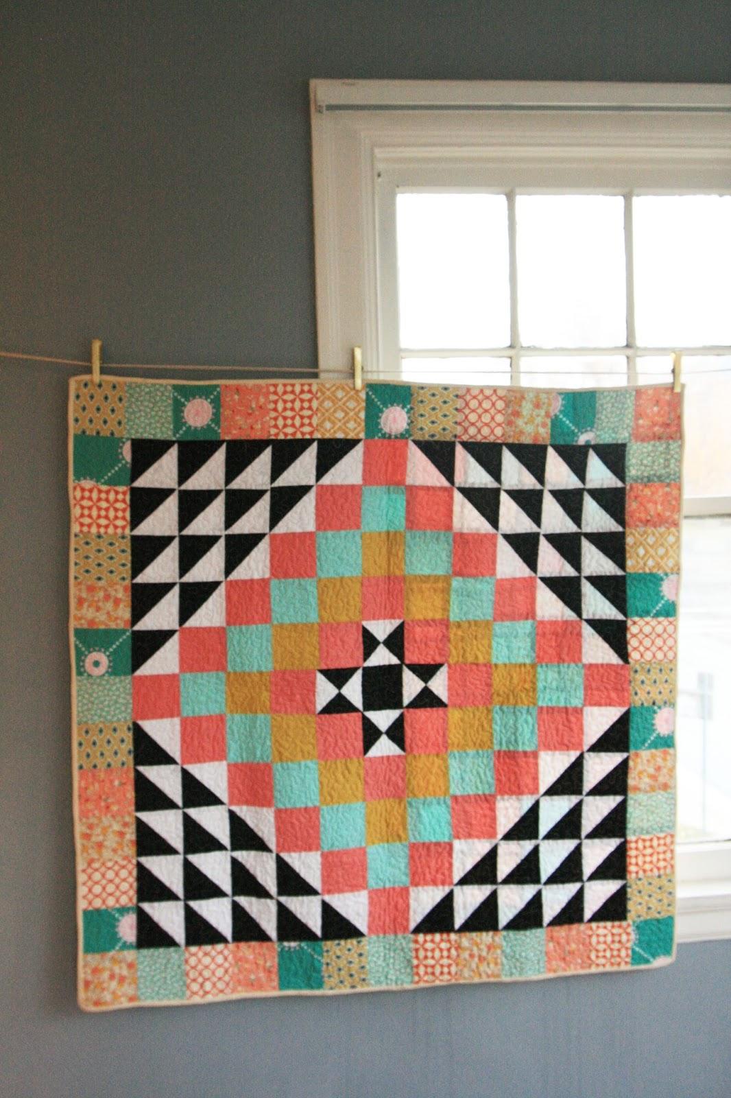 GIRLS PEARLS POWDER: Geometric Baby Quilt Pattern