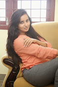 Ishika Singh Glamorous Photo shoot-thumbnail-20