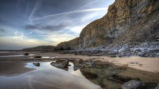 maravillosa playa rocosa