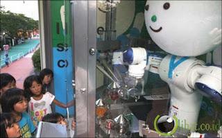 Robot penjual es krim di Jepang