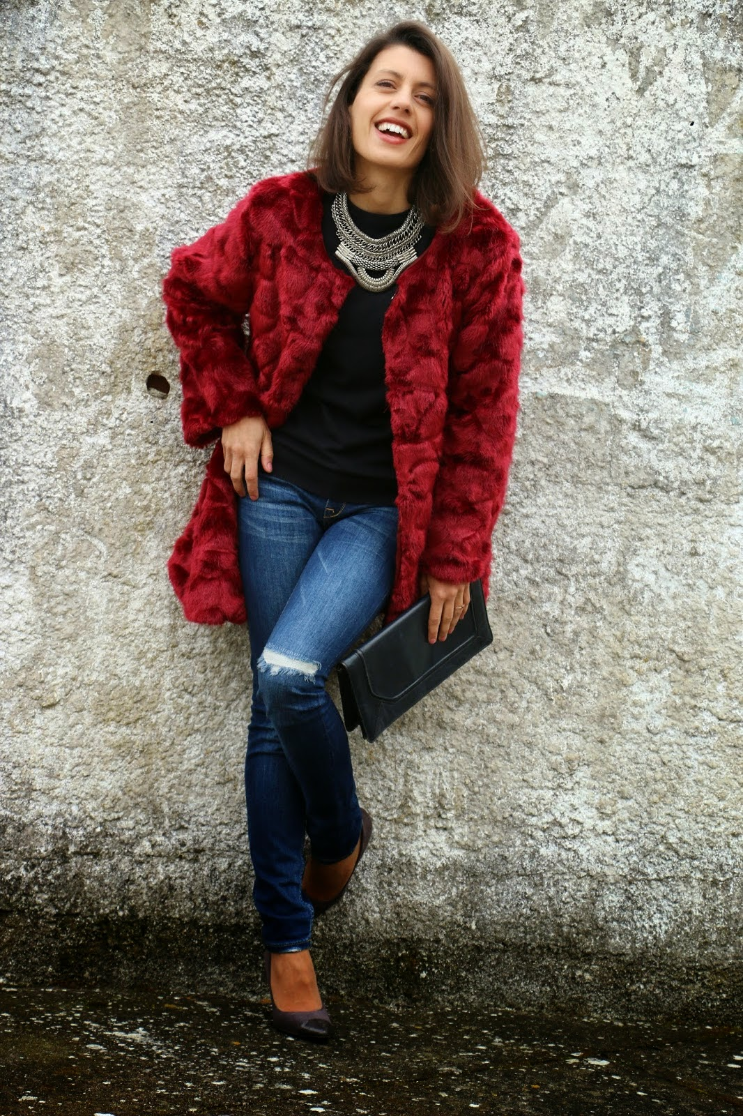 http://ilovefitametrica.blogspot.pt/2015/03/burgundy-fur-coat.html