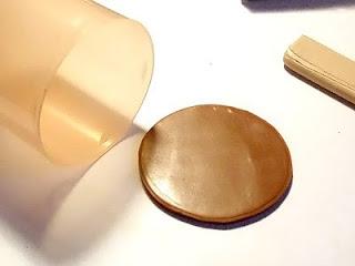 Вырезаем круг из глины