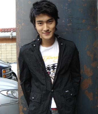 Berikut kumpulan foto2 siwon ( anggota super junior)