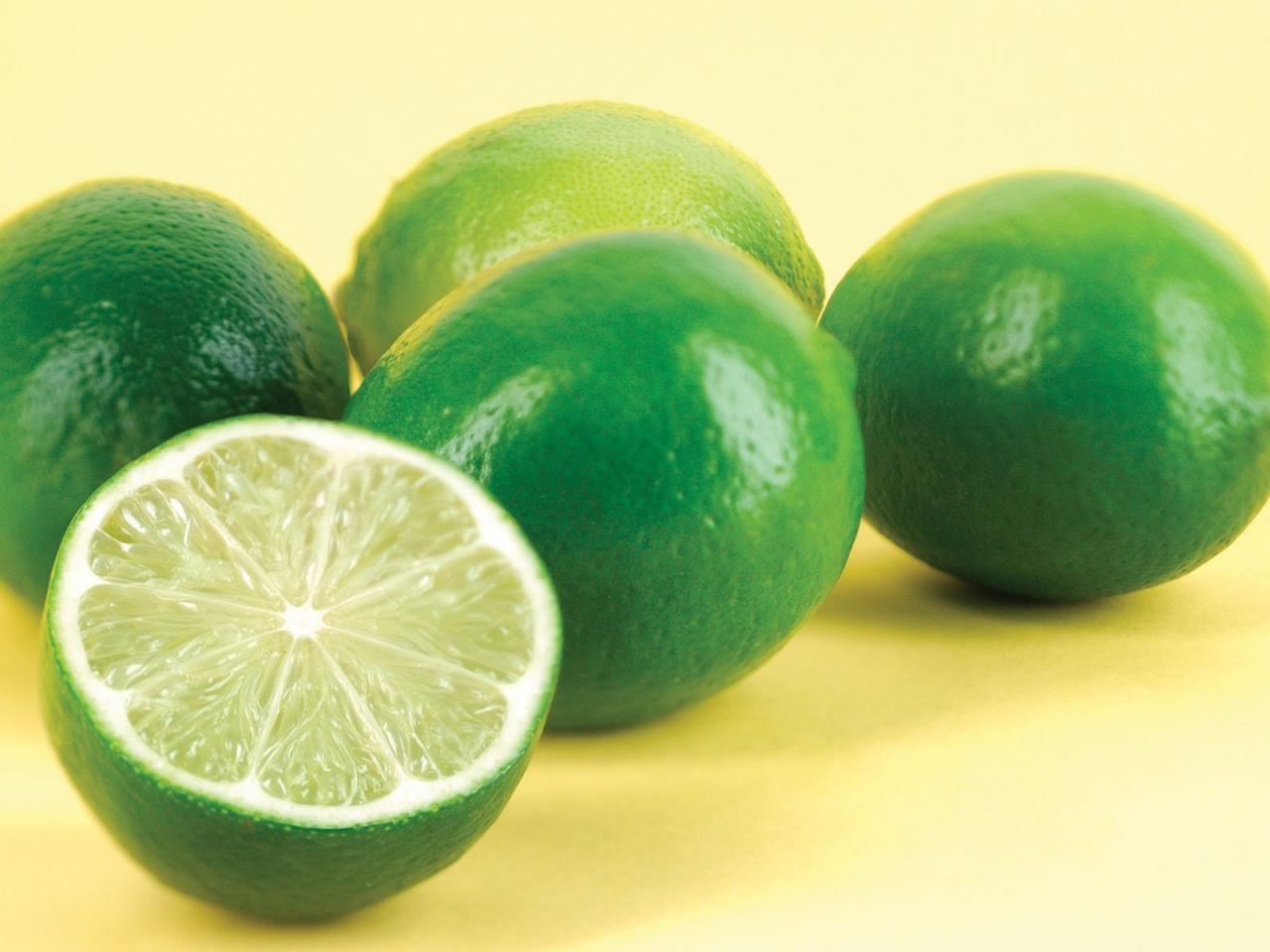 http://3.bp.blogspot.com/-rELQI9IbAEQ/UG5lYlkzq2I/AAAAAAAACdo/mQejl0OQrCk/s1600/green-lemon-fruit-wallpaper-163_1280x960.jpg