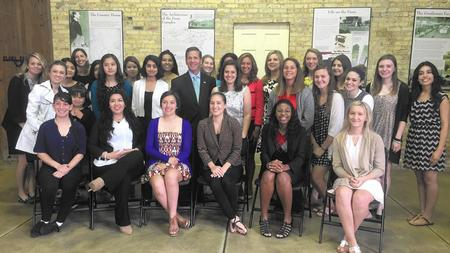 Rep. Stefanik Stands With Future Women Leaders at Illinois Conference