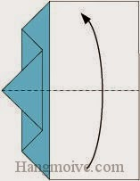 Bước 5: Gấp đôi tờ giấy lại.