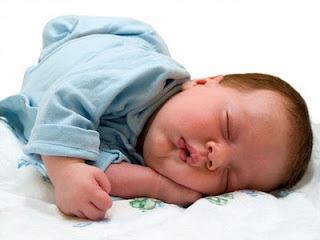 هل تعلم لماذا كان يضع الرسول يده تحت خده عند النوم؟ Pic