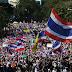 Manifestantes tailandeses saem às ruas e bloqueiam vias em Bangcoc