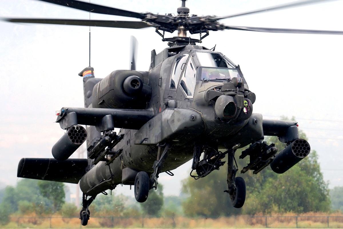 Helikopter tempur AH-64 Apache