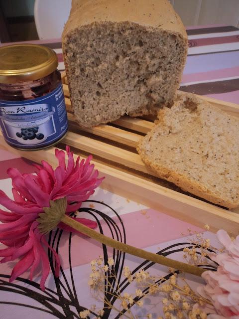 pan de escanda y semillas de amapola alba hogar