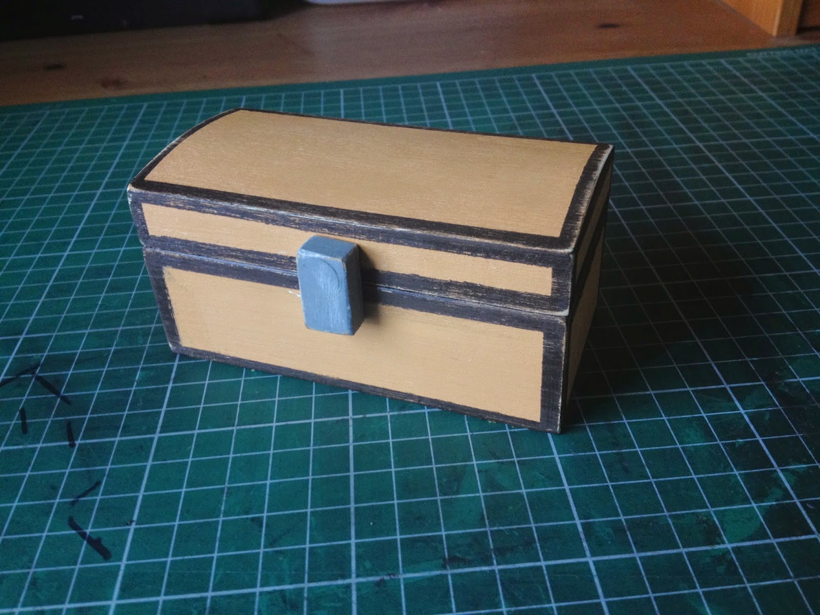 My mini wooden Minecraft chest