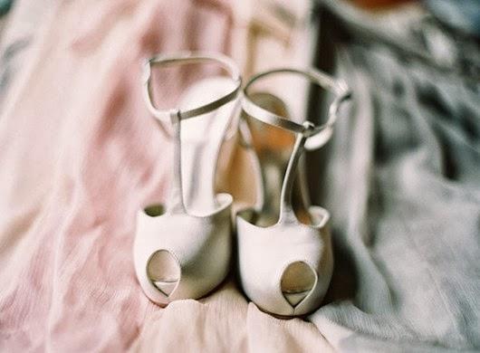 neutral-wedding-colors-elegant-peep-toe-shoes
