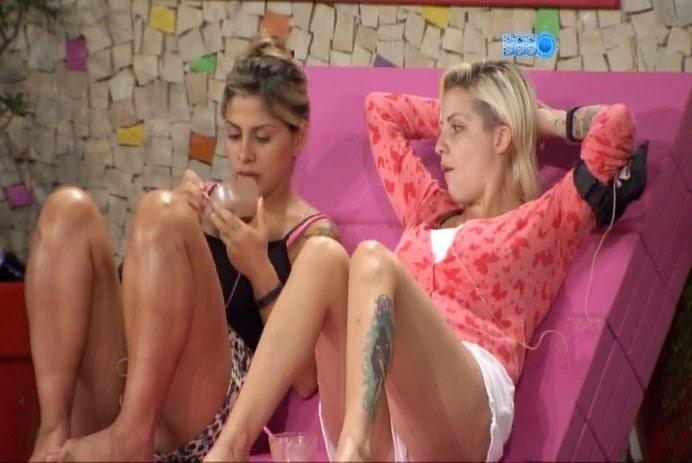"""Por mais que Clanessa se divida, a Angela não ganha"""", diz amiga de Vanessa"""