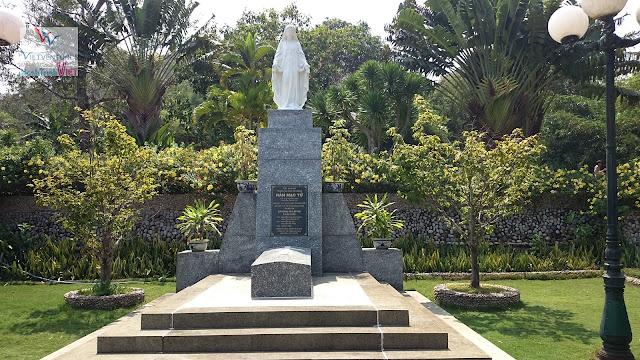 Viếng thăm lăng mộ Hàn Mạc Tử