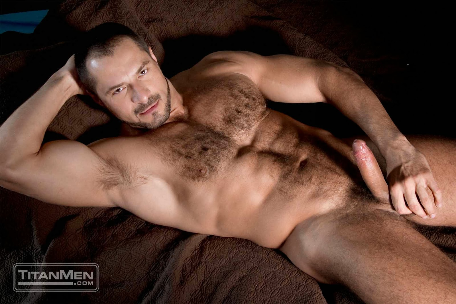 Ace Malone - Nude Hairy Men Photos and Gay Daddy