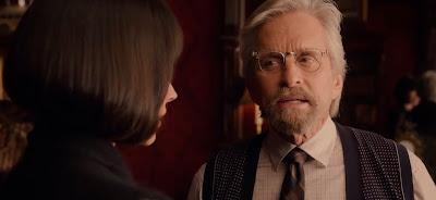 El doctor Pym y su hija... una relación... complicada.