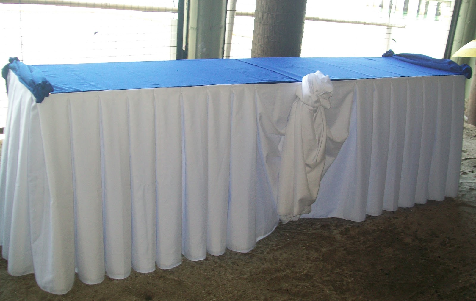 Buffet table skirting - Skirting For Your Buffet Table