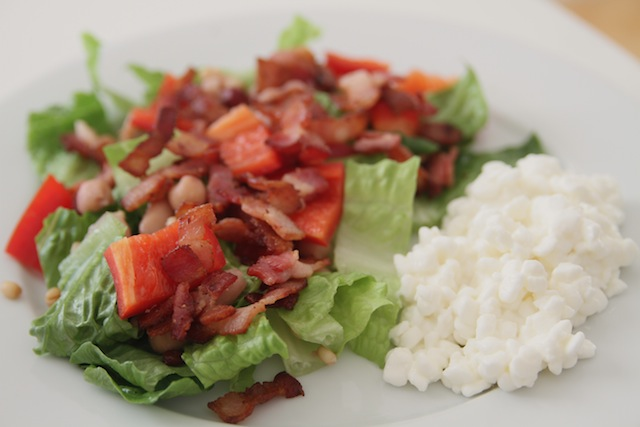 Salad with bacon and beans