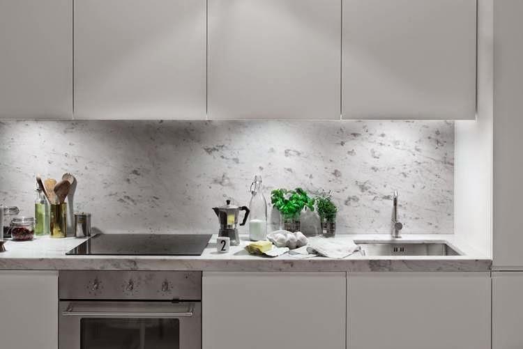 Decoraci n f cil 10 ideas para cocinas peque as small - Ver azulejos de cocina ...