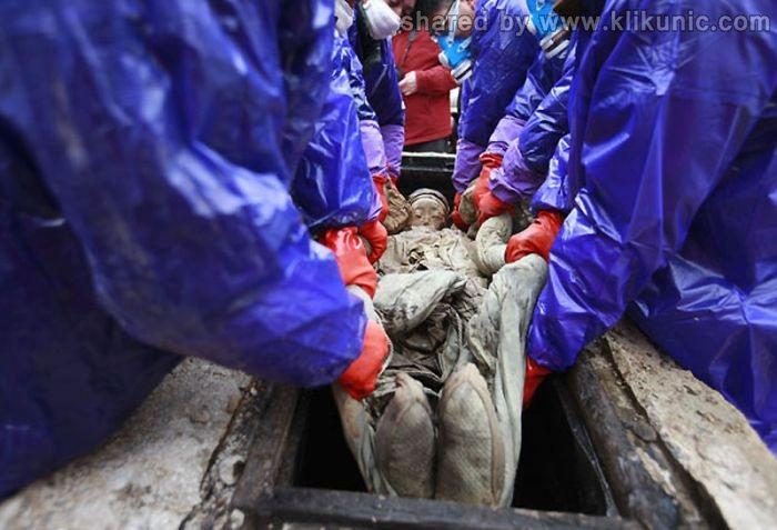 http://3.bp.blogspot.com/-rFkBu_innyE/TXioR_MhSDI/AAAAAAAAQt4/MMz6RZ1b3sA/s1600/mummy_09.jpg