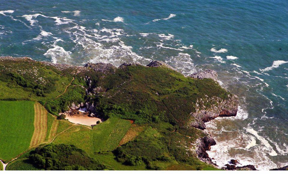 Asturias gulpiyuri la playa marina sin mar - Fotos de viveiro lugo ...