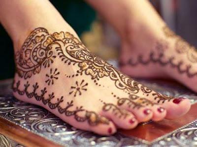 Beautiful Feet Mehndi Design Picture 2012