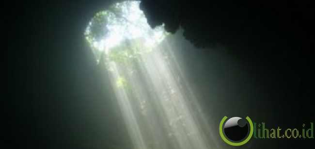 Cahaya Surga - Gua Jomblang