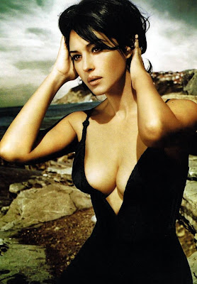 monica bellucci hot hot