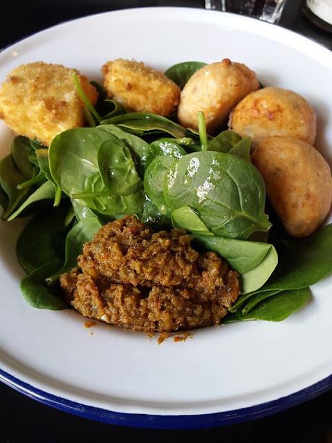 Pork and fennel meatballs salad at Club Meatballs