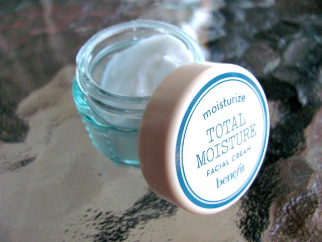 benefit-cosmetics-total-moisture-facial-cream