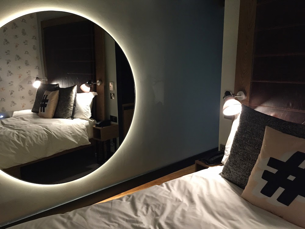 hoxton holborn hotel review circle mirror room