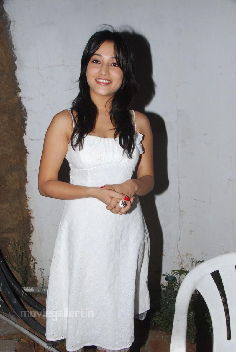 , Cute Ritu Barmecha Latest Stills