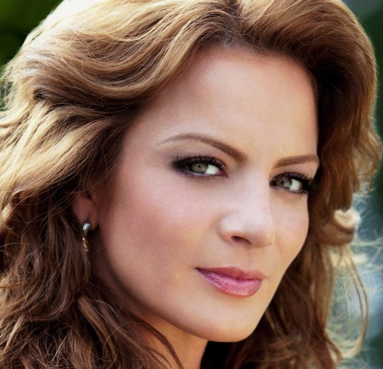 Silvia Navarro Net Worth