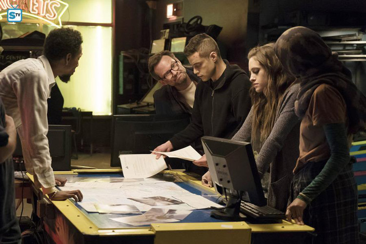 """Mr. Robot - eps1.3_da3m0ns.mp4 - Review: """"Drugs, Dreams and Monsters"""""""