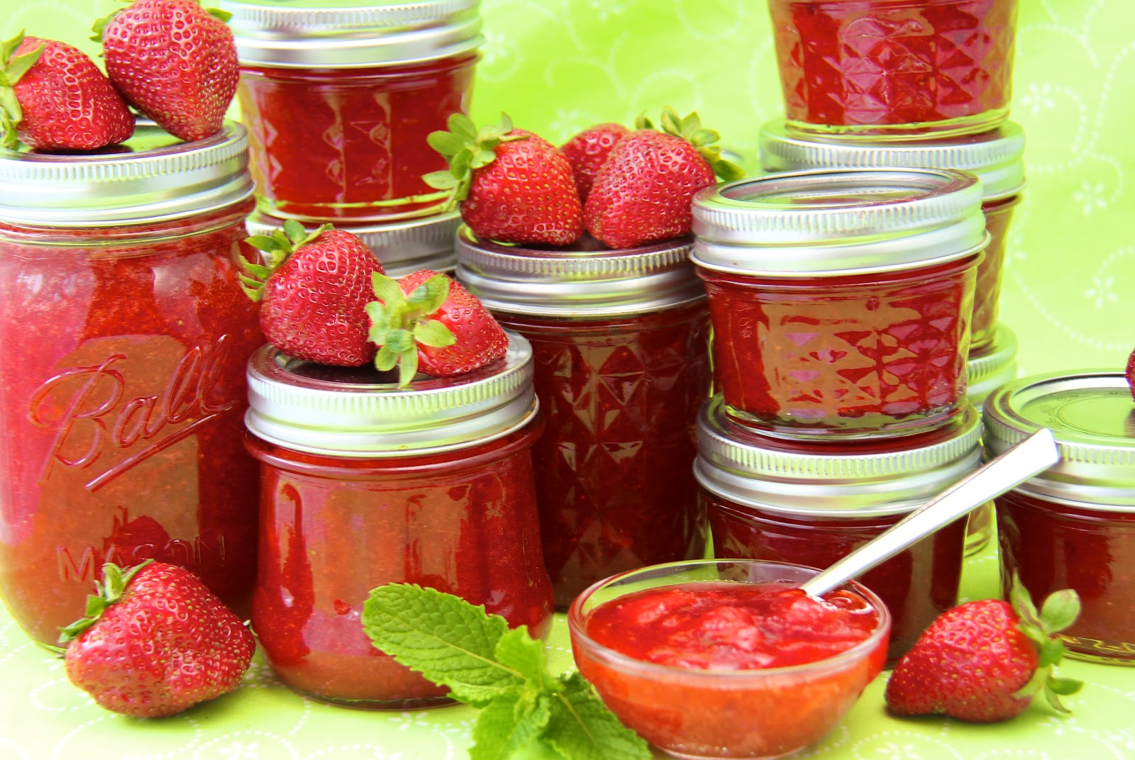 Strawberry freezer jam Jam without boiling easy made flavorful