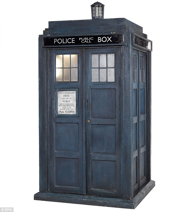TARDIS Clip Art http://nutty-news.blogspot.com/2012_03_01_archive.html