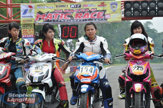 Kumpulan Foto Joki / Penunggang Cewek Cantik dan Seksi Drag Bike / Moto Racing