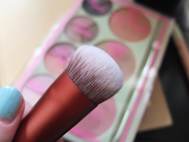 pixi foundation brush