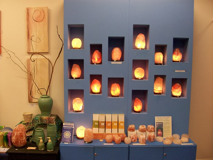 Salt Lamps True Or False : salt lamps in the interior - ideas, colors, designs, installation