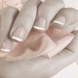 طلاء الأظافر ومثبت الشعر بهما مواد تضاعف فرص الإصابة بالسكر