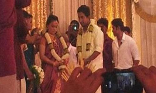 Vineeth Sreenivasan wedding photo