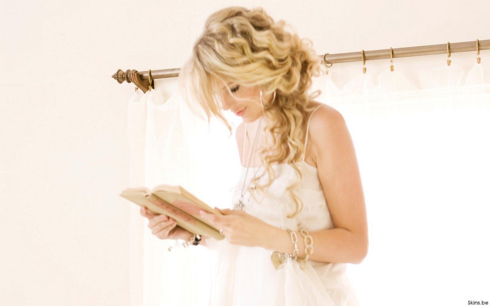 http://3.bp.blogspot.com/-rHaMTwWvgSg/TiDw496ln5I/AAAAAAAAADI/60DPakWrywM/s1600/Taylor_Swift03.jpg