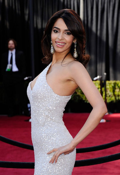 Hot Mallika Sherawat on red carpet at Oscars