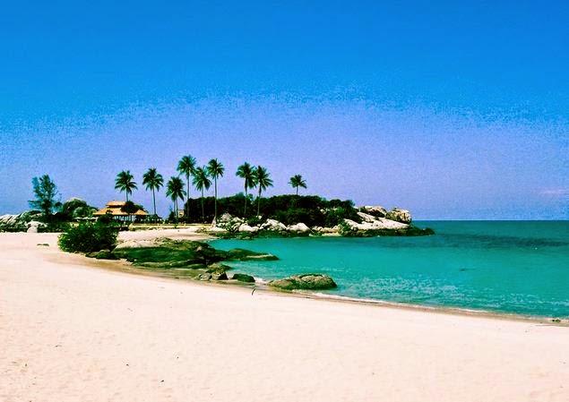Pemandangan indah Pantai Parai Tenggiri