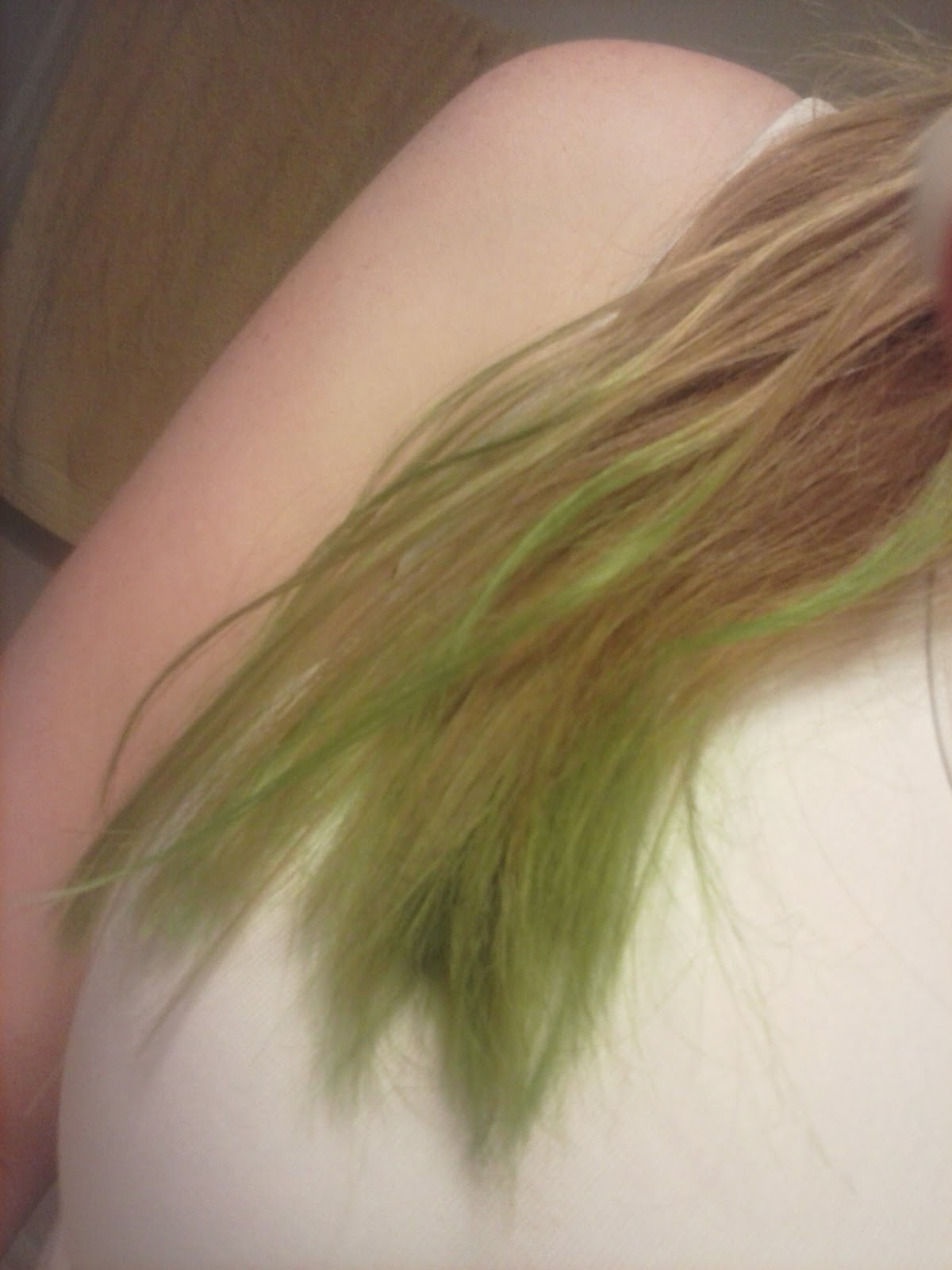 Kool aid hair dye green dip dye with koolaid geenschuldenfo Image collections