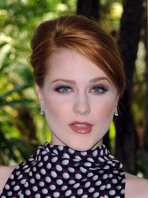 Evan Rachel Wood looks simply timeless with a smooth French roll.