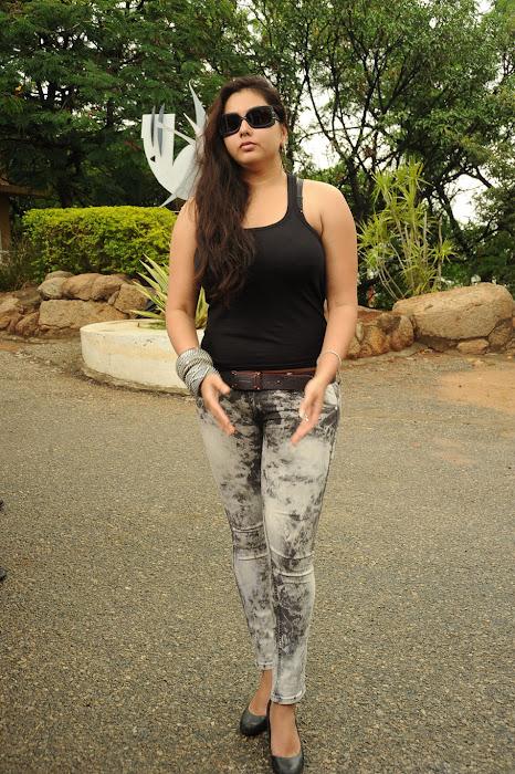 namitha from sukra movie launch, namitha new cute stills
