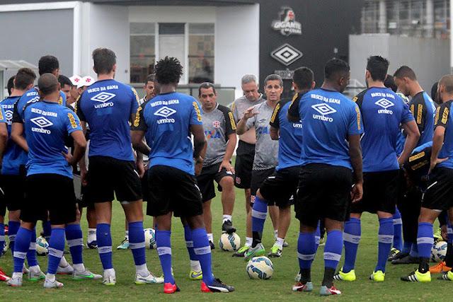 O Vasco quer aproveitar embalo da Copa do Brasil para sair do buraco (Foto: Paulo Fernandes/CRVG)